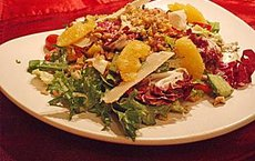 Rucola-Salat an Himbeer-Gorgonzola-Dressing